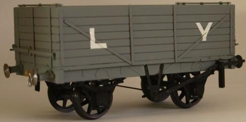 LYR mineral Small.jpg